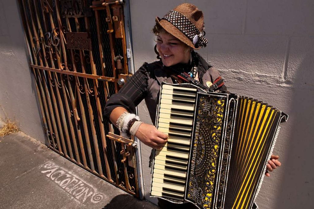 accordions is the music